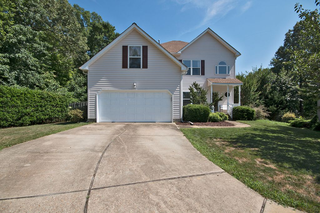 242 Southlake Place,Yorktown,Virginia,4 Bedrooms Bedrooms,4 Rooms Rooms,2 BathroomsBathrooms,Single-Family,Southlake,1001